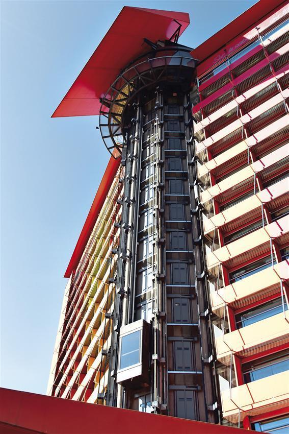 Hotel puerta america madrid spain wittur safety in motion - Puerta america madrid ...